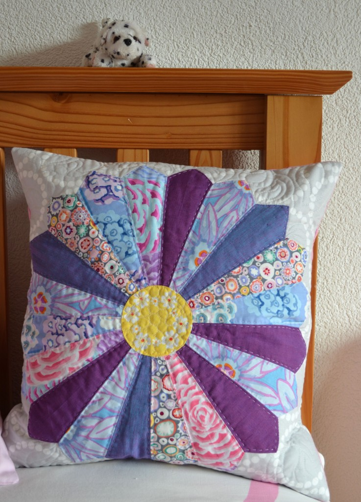 Dresden Cushion