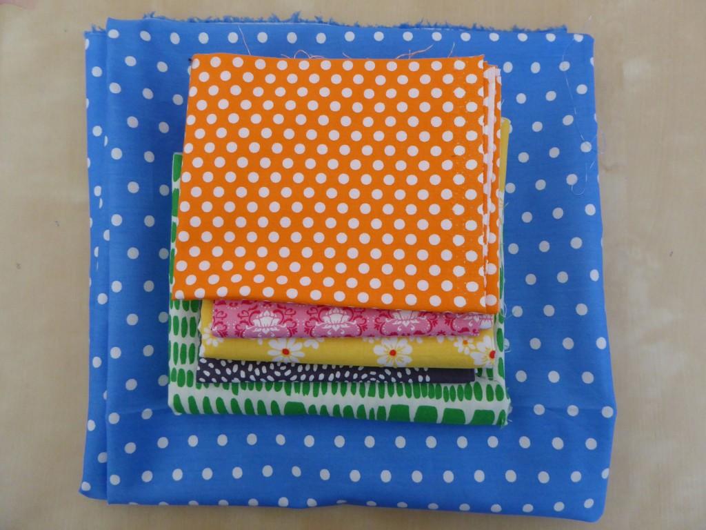 Fabric pull for giraffe